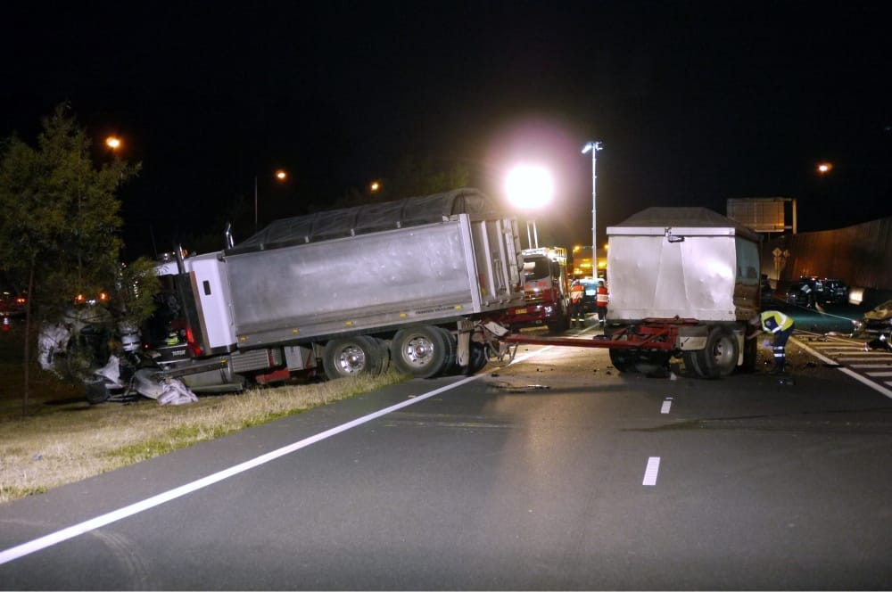 tractor trailer accident at night